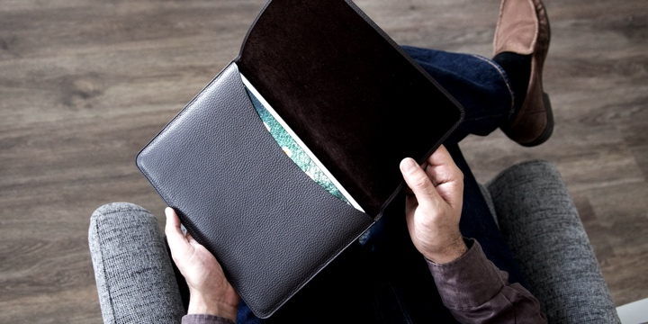 Sleeve with flap for iPad - Natural - Smooth Leather